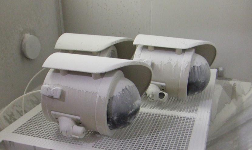 人体及び固形異物に対する保護。特注カメラと電気機器用ハウジング品質・検査・試験の取り組み。