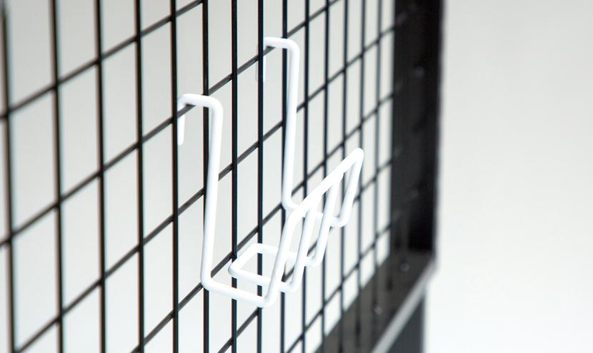 高品質低価格のコンテナ輸入線材加工品ネットフック。三恵ネットの商業施設製品一覧。