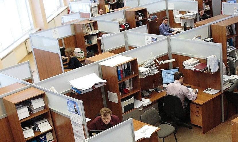 手狭なオフィスの悩み解消。iPad・タブレット新規・入れ替えキッティング作業なら三恵ネット。
