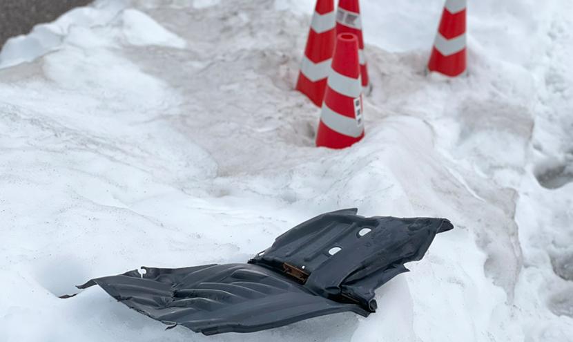 富山県大雪災害に備える(富山市、高岡市、砺波市)。雪道の運転は危険が多く、車の破損の恐れがあります。