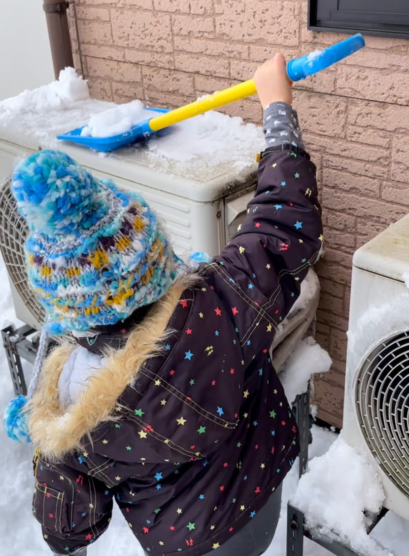 富山県大雪災害に備える(富山市、高岡市、砺波市)。エアコンの故障の原因になるので室外機の除雪をする。
