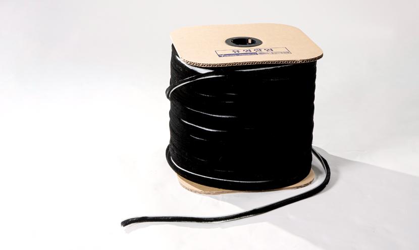 モヘアの振ボビン巻き梱包。三恵ネットの気密材モヘア・パイルウェザーシールの梱包について。